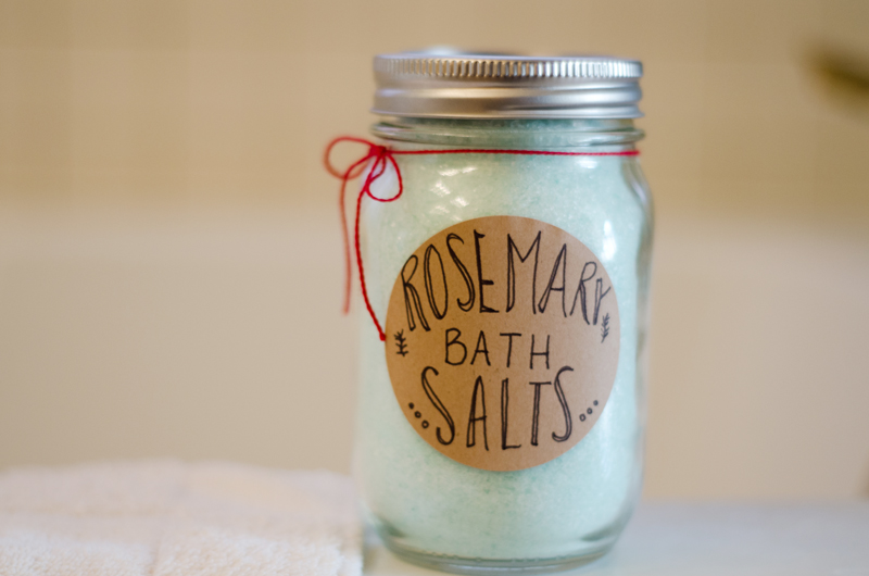 DIY Rosemary Bath Salts| soletshangout.com