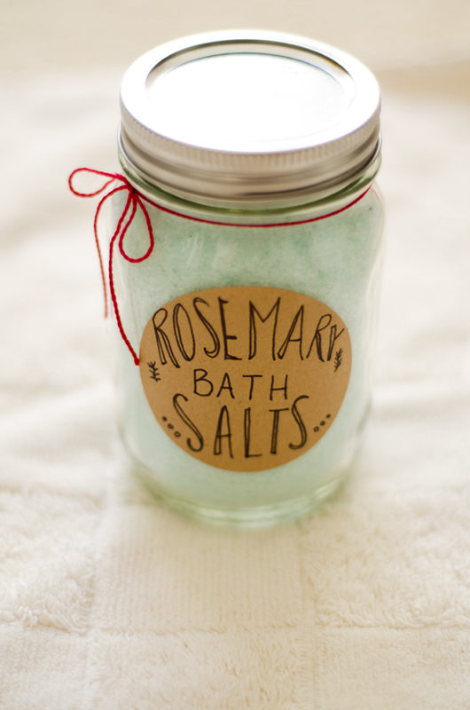 DIY Rosemary Bath Salts | soletshangout.com