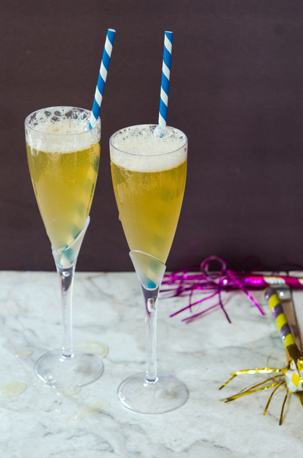 Ginger Fizz Cocktail // So...Let's Hang Out
