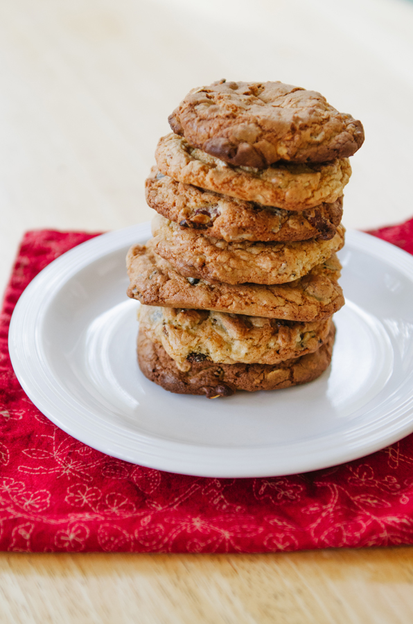 Gluten-Free Bacon & Chocolate Chip Oatmeal Cookies | www.soletshangout.com