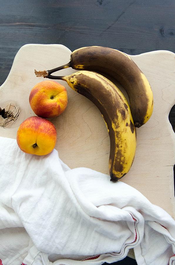 Grain-Free Bourbon Peach Banana Bread | soletshangout.com #glutenfree #grainfree #paleo #primal