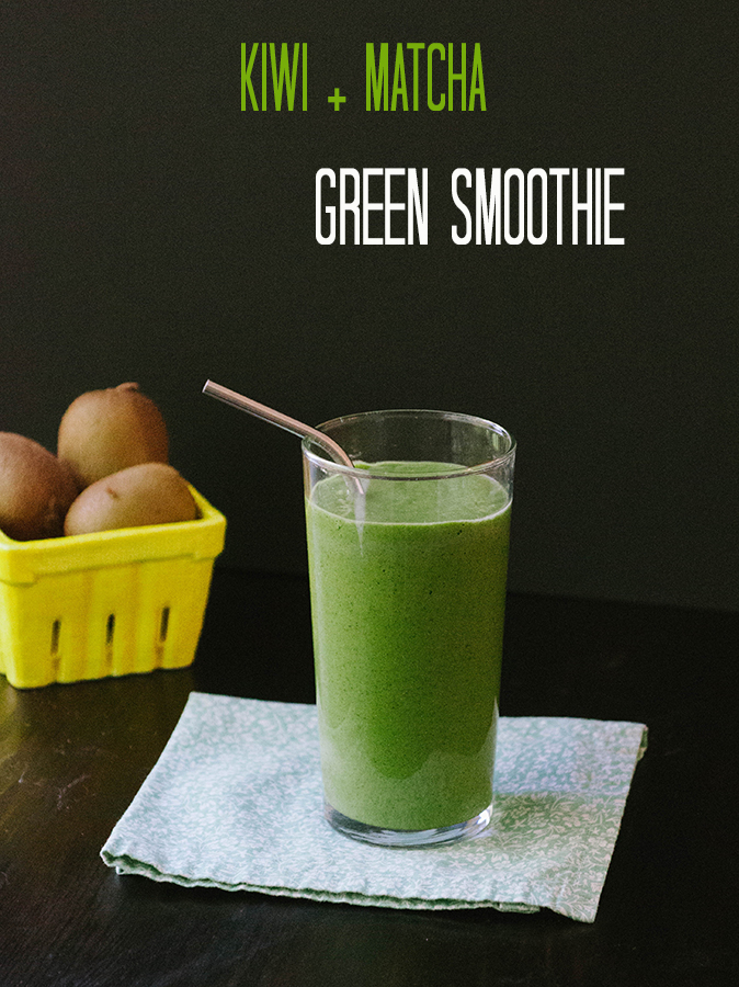 This Kiwi + #Matcha Green Smoothie is perfect for #detoxing! //soletshangout.com // #greensmoothie #smoothie #detox