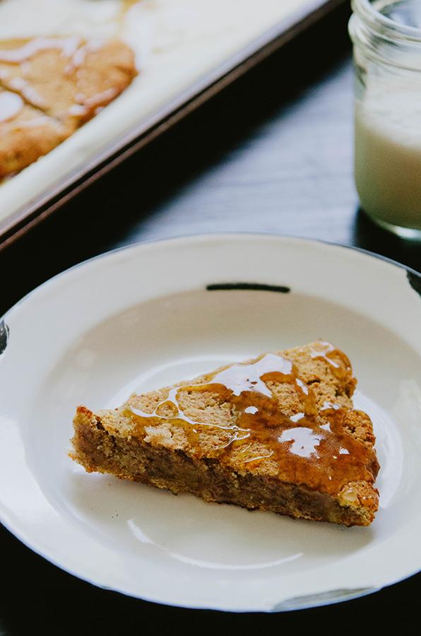Spicy Banana Scones With Caramel Glaze #glutenfree #grainfree #paleo #primal // soletshangout.com