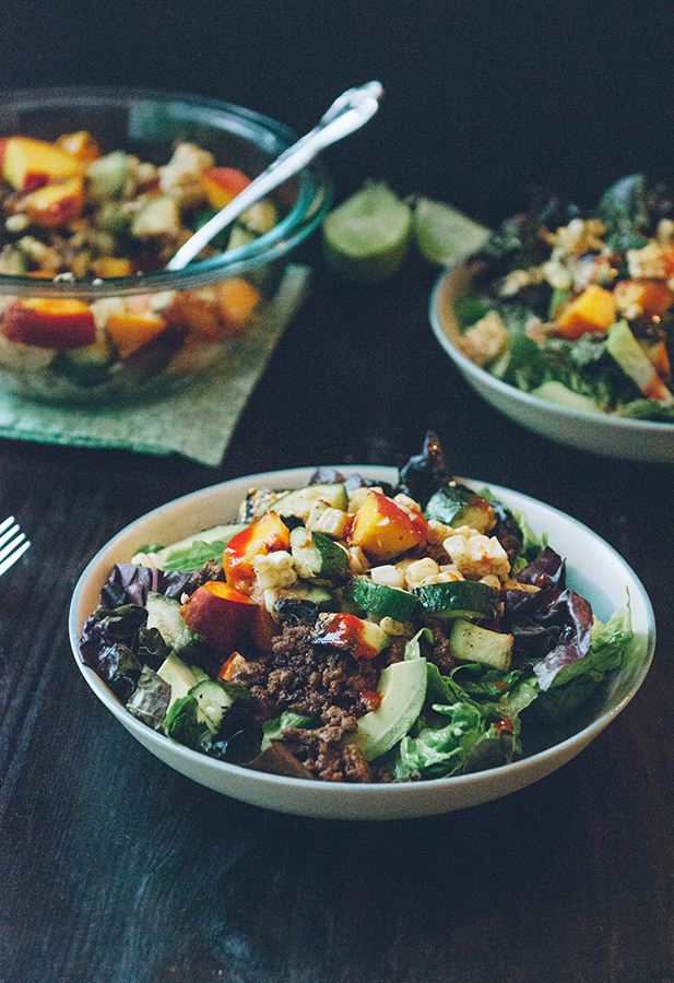 Taco Bowls with Grilled Corn Zucchini + Peach Salsa {with #vegetarian option} #glutenfree #realfood #cleaneating