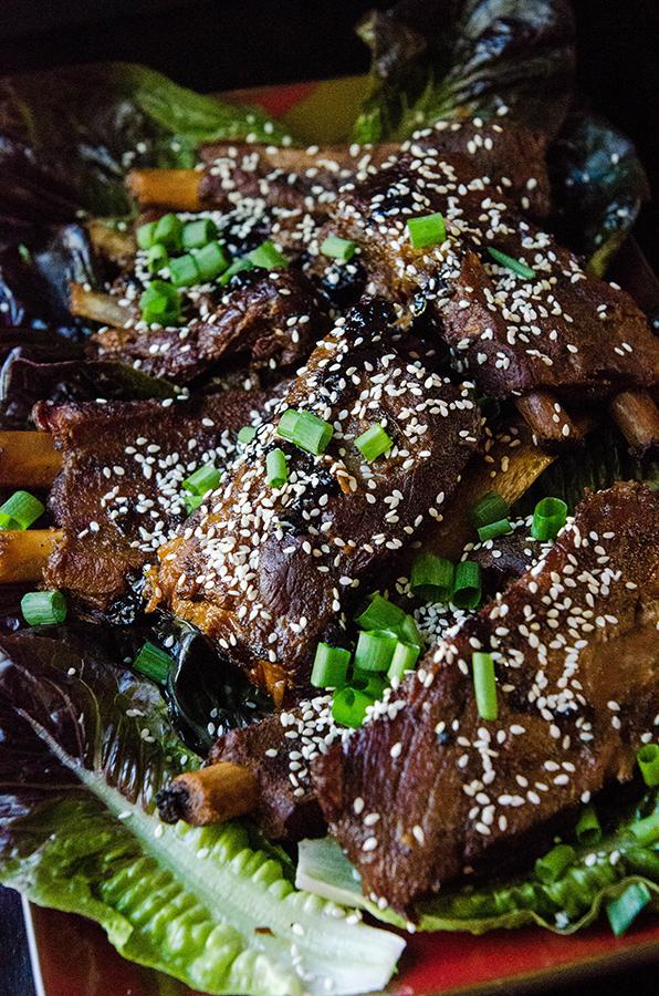 Soy & Ginger Crock-Pot Ribs | Soletshangout.com #glutenfree #paleo #primal #crockpot #slowcooker