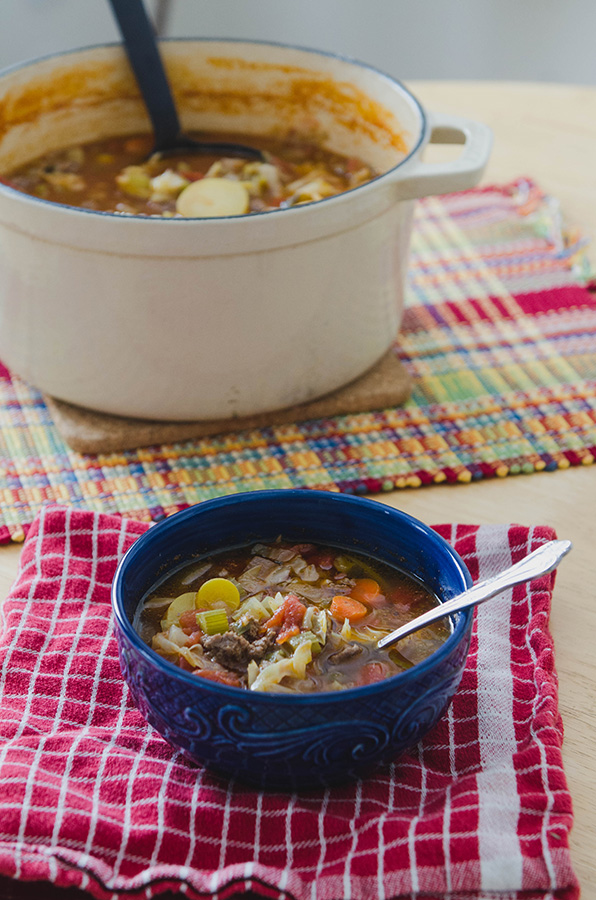 Rustic Beef, Tomato & Cabbage Stew by @SoLetsHangOut // www.soletshangout.com #paleo #glutenfree #soup #stew #bonebroth #rustic #beef #cabbage #tomatoes #fall #winter