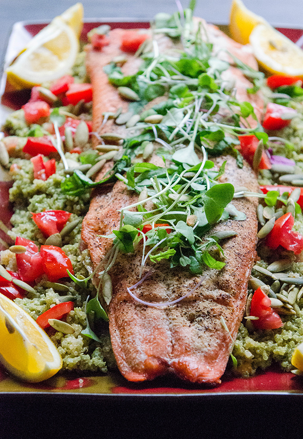 Lemon Roasted Salmon With Pepita Pesto Quinoa & Tomatoes // soletshangout.com #glutenfree #salmon #pepita #pesto #quinoa #dinner #fish