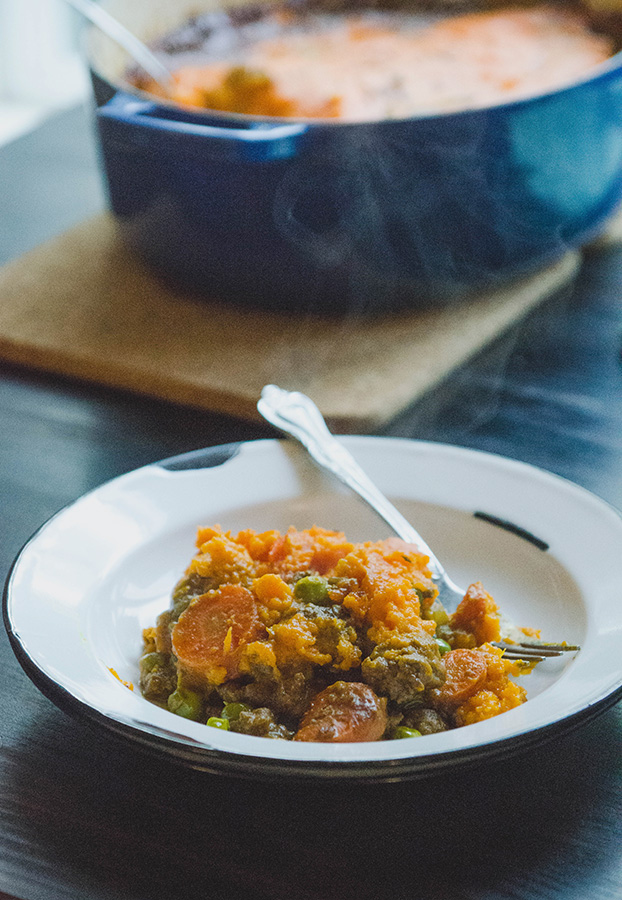 Curried Shepherd's Pie With Sweet Potato Mash // soletshangout.com // #glutenfree #grainfree #paleo #curry #shepherdspie #comfortfood #healthy