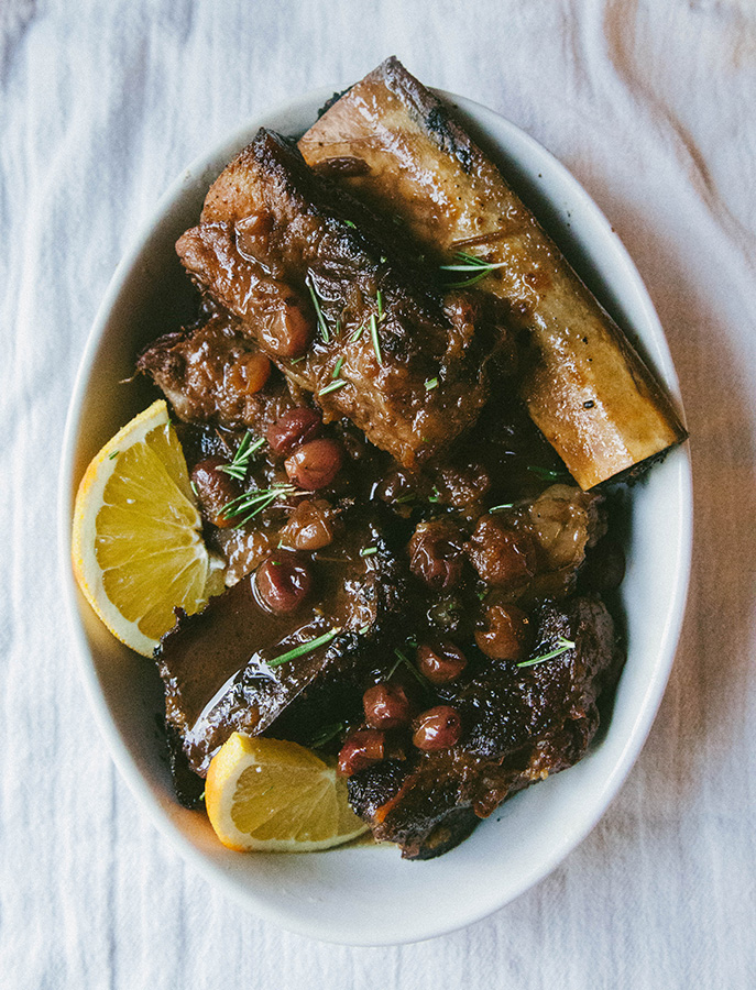 Orange + Cranberry Crock-Pot Short Ribs | soletshangout.com #paleo #glutenfree #shortribs #crockpot #slowcooker