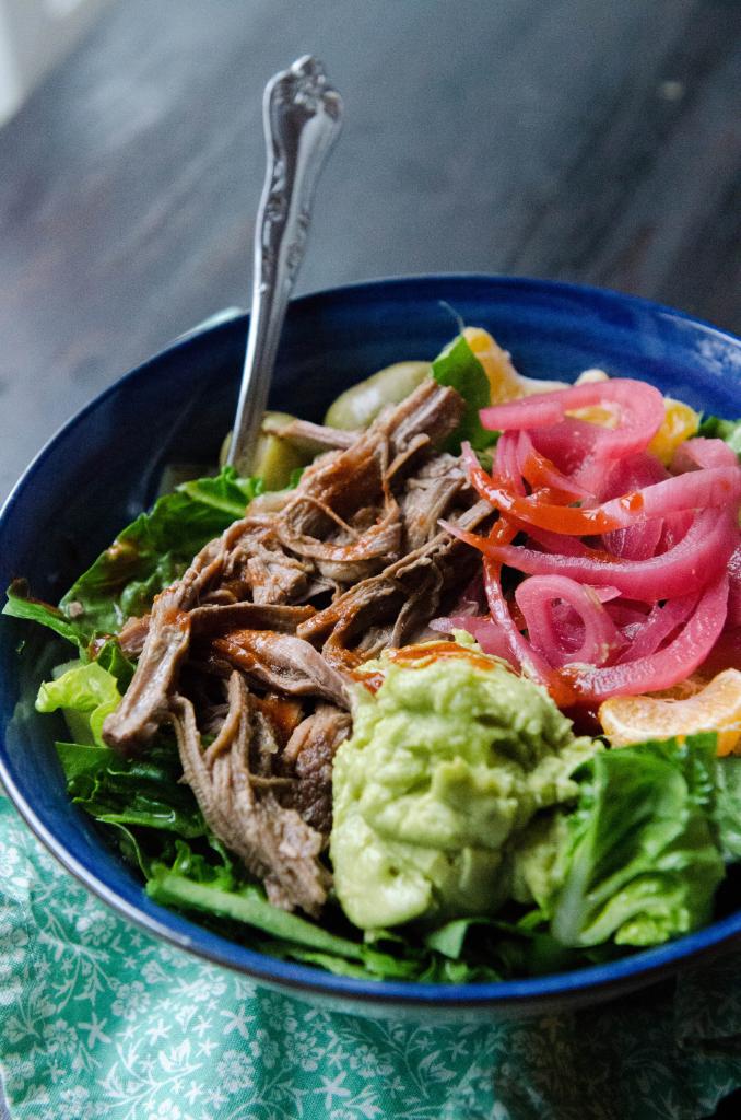 Slow-Cooker Cuban Brisket Taco Bowls// soletshangout.com #cincodemayo #brisket #glutenfree #paleo #slowcooking #crockpot #tacobowl