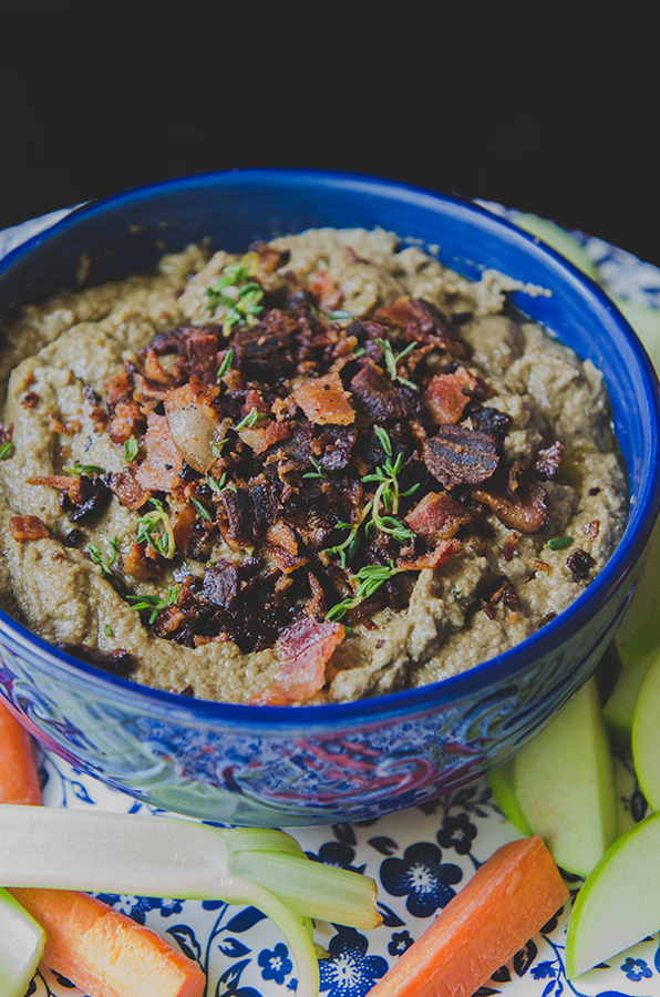 Bacon & Apple Beef Liver Pâté // soletshangout.com #glutenfree #paleo #primal #grainfree #liver #pate #beefliver #bacon #apple #nutrientdense #healthy