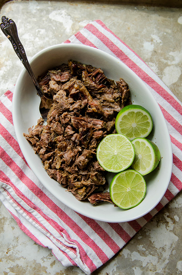 #SlowCooker Margarita Beef by @SoLetsHangOut // This beef is cooked in #tequila and #lime and it's absolutely delicious! #glutenfree #paleo #primal #crockpot #mexican #tacobowl #margarita #shredded #beef