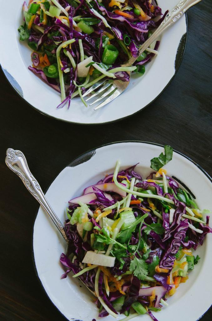 Veggie Lover's Easy Asian Slaw With Sesame Dressing by @SoLetsHangOut // www.soletshangout,com #salad #healthy #glutenfree #paleo #primal #vegan #slaw #asian #sesame