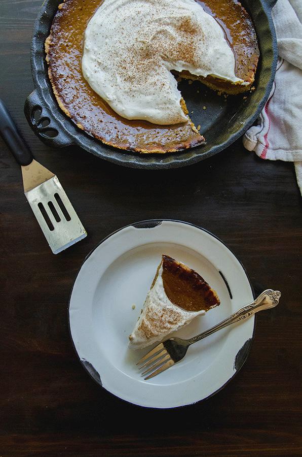 Spiced Ginger Kabocha Pie with Maple Coconut Cream by @SoLetsHangOut // www.soletshangout.com #paleo #glutenfree #pie #grainfree #kabocha #fall #pumpkin #ginger #coconutcream #maple