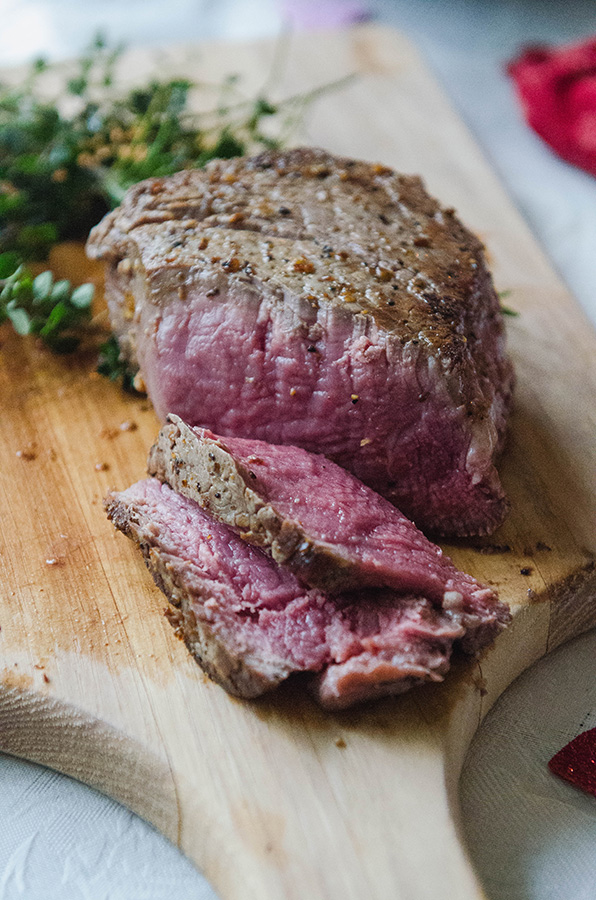 The Perfect Pan Seared Filet Mignon by @SoLetsHangOut // #filetmignon #steak #glutenfree #valentinesday #panseared #paleo #primal