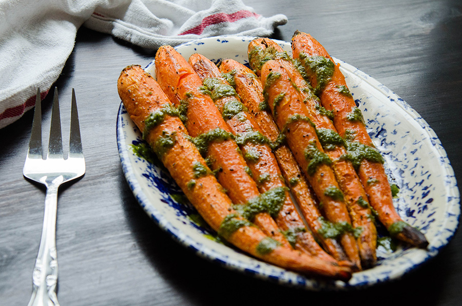 Ghee Roasted Carrots With Mint Basil Sauce by @SoLetsHangOut // #glutenfree #paleo #whole30 #vegetarian #carrots #roasted #mint #basil #healthy