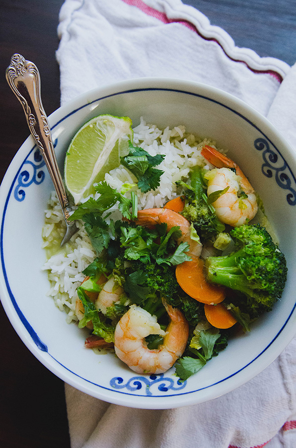 Green Curry Shrimp Stir Fry by @SoLetsHangOut // #curry #glutenfree #paleo #primal #greencurry #green #shrimp #thai