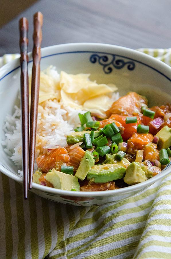 Salmon & Avocado Poke by @SoLetsHangOut // #glutenfree #paleo #poke #salmon #avocado #healthyfats #omega3s #hawaiian