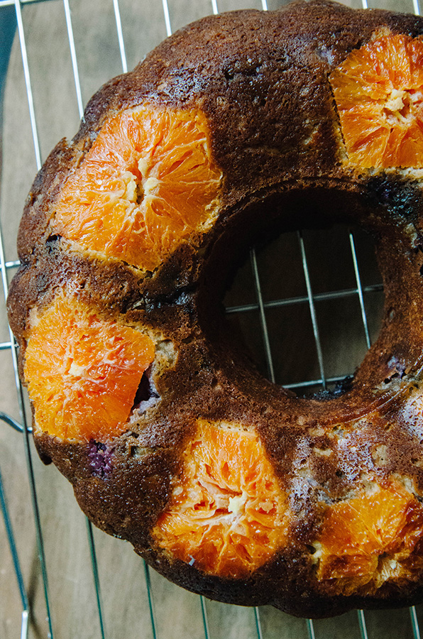 Grain-Free Banana Blueberry Bunt Cake with Oranges by @SoLetsHangOut // #paleo #primal #glutenfree #grainfree #buntcake #banana #blutberry #orange #breakfast