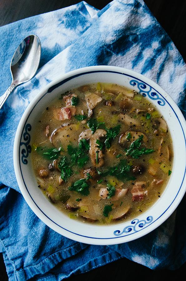 Creamy Mushroom, Bacon & Leek Soup by @SoLetsHangOut // #glutenfree #paleo #soup #mushroom #bacon #leek #creamy #whole30 #primal