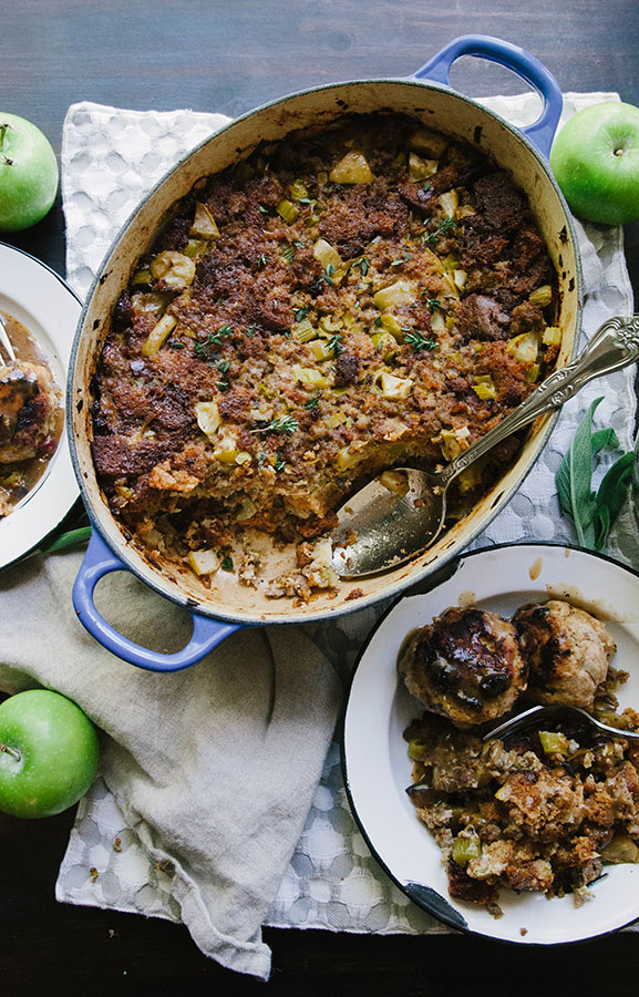 Grain-Free Apple, Sage + Sausage Stuffing by @SoLetsHangOut // #grainfree #paleo #glutenfree #stuffing #paleostuffing #legitbread #apple #sausage #sage